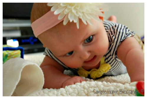 how to get baby to like tummy time