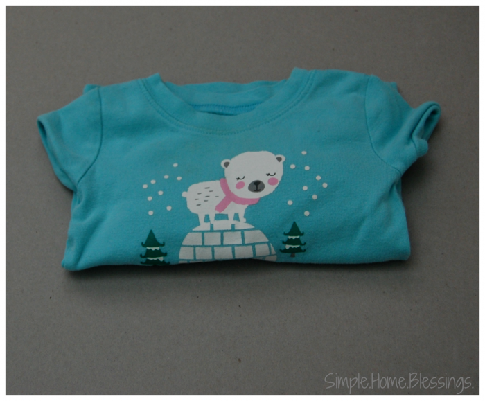 Folding Kids Bedclothes - simple process for keeping them together and neat
