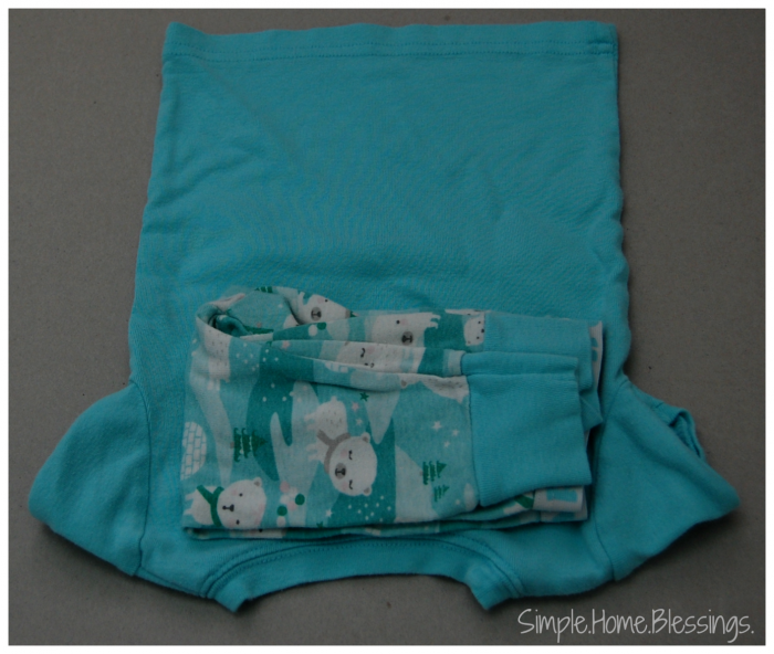 Folding Kids Bedclothes, step 2