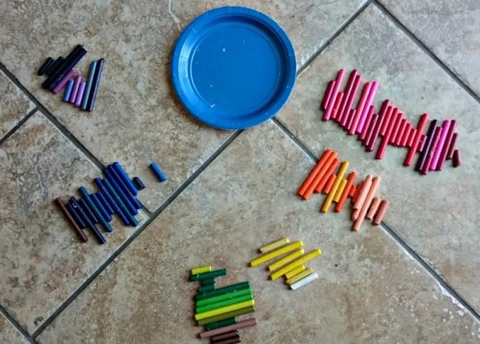 Rainbow Heart Crayon activity for preschoolers
